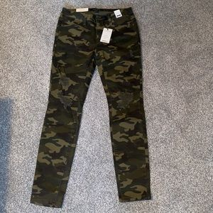 BRAND NEW Judy Blue Mid Rise Skinny Fit Camo Jeans